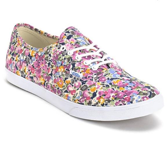 8959137a296d Vans Lo Pro Violet and White Floral Print Shoes. M 5b9e93e3951996f207334610
